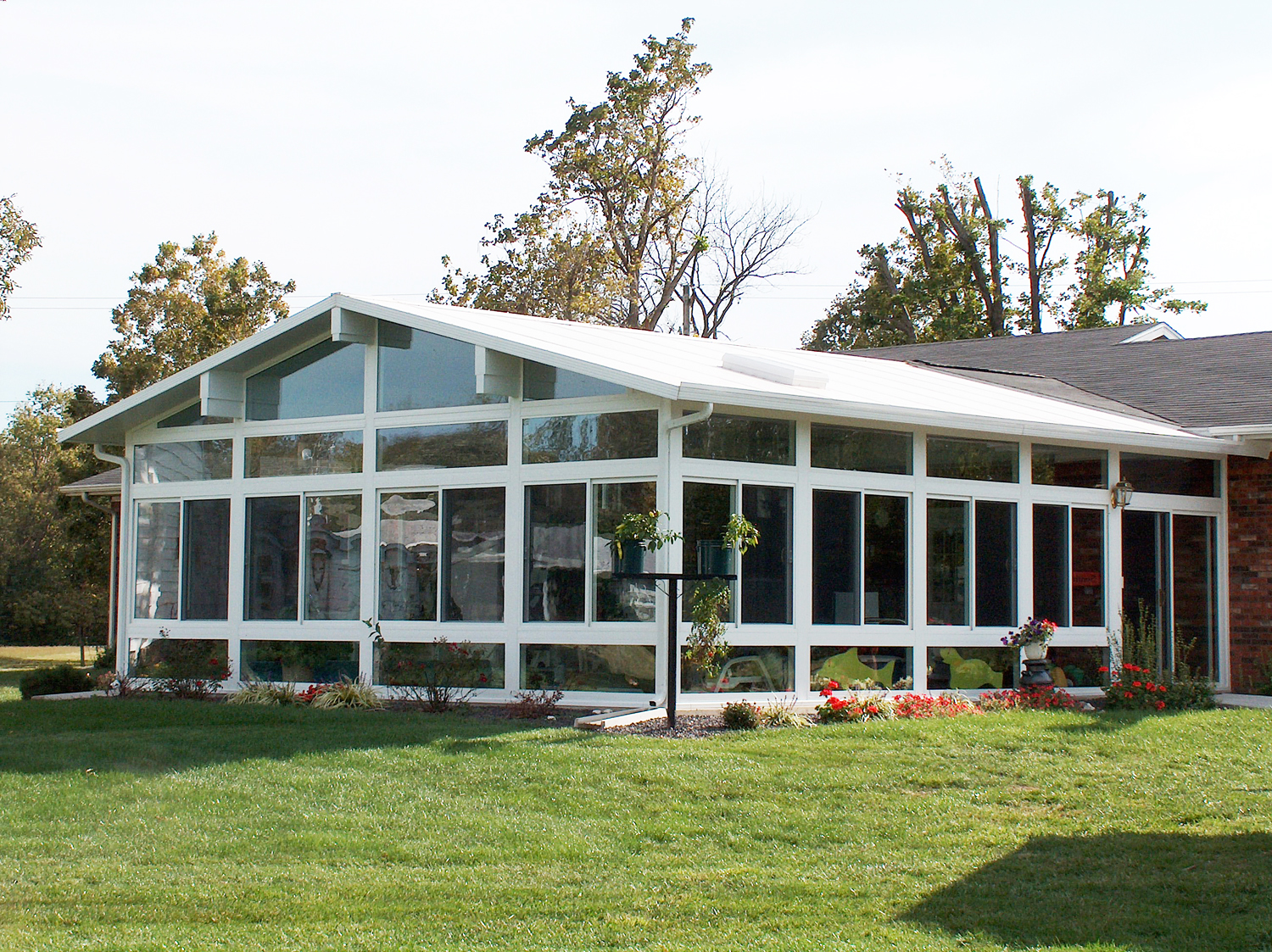 Betterliving fabric shades marketing patio cover recent posts sunrooms - Gable Style Sunroom By Betterliving Patio Sunrooms Of Pittsburgh