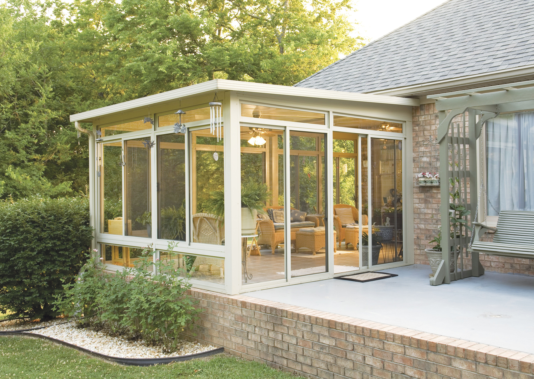 All season sunrooms in pittsburgh pa for Backyard sunroom